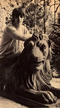 Ringo Starr and a lion